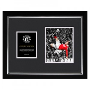 Manchester United Historic Moments - Rooney Overhead Kick Framed Print - 20 x 16 Inch