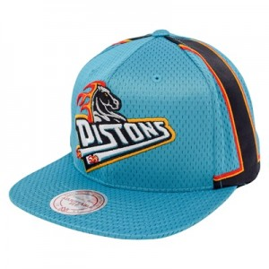 """Detroit Pistons Hardwood Classics Jersey Hook Up Mesh Crown Snapback C"""