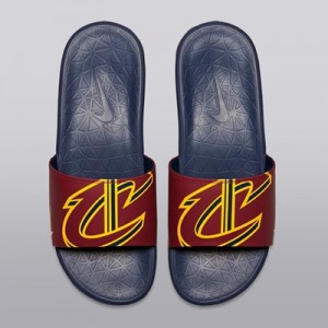 """Cleveland Cavaliers Nike Benassi Solarsoft Sliders – Team Red/Universi"""