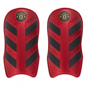 Manchester United Shin Pads - Burgundy